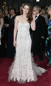 Kristen Stewart - Imagenes/Videos de Paparazzi / Estudio/ Eventos etc. - Página 31 AddxTc91