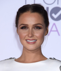 Camilla Luddington - 2016 People's Choice Awards @ Microsoft Theater in Los Angeles - 01/06/16