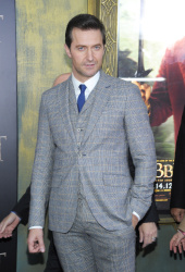 Richard Armitage - attends 'The Hobbit An Unexpected Journey' New York Premiere benefiting AFI at Ziegfeld Theater in New York - December 6, 2012 - 14xHQ DU6N7yIn