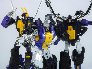 [Fanstoys] Produit Tiers - Jouet FT-12 Grenadier / FT-13 Mercenary / FT-14 Forager - aka Insecticons - Page 4 LqeHHPp6