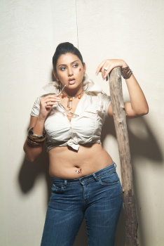 Namitha Latest Fat Navel Photos  AddQ2f9u