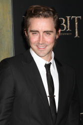 Lee Pace - attends 'The Hobbit An Unexpected Journey' New York Premiere at Ziegfeld Theater in New York - December 6, 2012 - 8xHQ ORnWVsyA