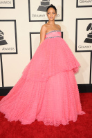 Rihanna  57th Annual GRAMMY Awards in LA 08.02.2015 (x79) updatet QIFbIOwy