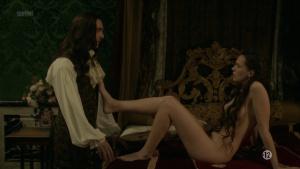 Anna Brewster, Hannah Arterton @ Versailles s02 (FR 2017) [1080p HDTV] 2vdT0LdV