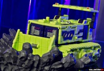 [Toyworld] Produit Tiers - Jouet TW-C Constructor aka Devastator/Dévastateur (Version vert G1 et jaune G2) - Page 4 FjoHuy5N