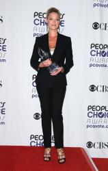 Katherine Heigl - 35th Annual People's Choice Awards, 7 января 2009 (58хHQ) Q6gg4tyS