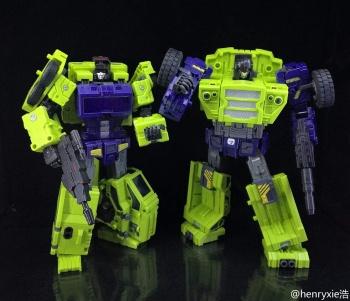 [Toyworld] Produit Tiers - Jouet TW-C Constructor aka Devastator/Dévastateur (Version vert G1 et jaune G2) - Page 7 HhAVEHws