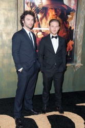 Aidan Turner - 'The Hobbit An Unexpected Journey' New York Premiere, December 6, 2012 - 50xHQ Yps7ht5E