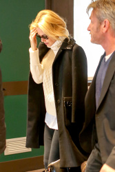Sean Penn - Sean Penn and Charlize Theron - depart from Rome after a Valentine's Day weekend - February 15, 2015 (37xHQ) JpzB7mO1
