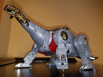 [Fanstoys] Produit Tiers - Dinobots - FT-04 Scoria, FT-05 Soar, FT-06 Sever, FT-07 Stomp, FT-08 Grinder - Page 9 6ybYRABN