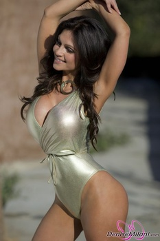 Дениз Милани, фото 4901. Denise Milani Gold One-Piece (Low Quality), foto 4901