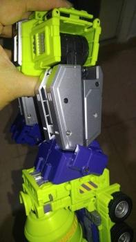 [Toyworld] Produit Tiers - Jouet TW-C Constructor aka Devastator/Dévastateur (Version vert G1 et jaune G2) - Page 7 A2SUZZMX