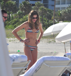 acvIkm1j Ana Beatriz Barros in a bikini in Miami Beach   December 7, 2012   35 HQ candids
