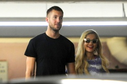 Calvin Harris and Rita Ora - out in New York - June 20, 2013 - 24xHQ MNkMIOOy