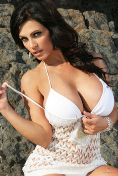 Дениз Милани, фото 4434. Denise Milani White Bikini (From Her Old Website), foto 4434