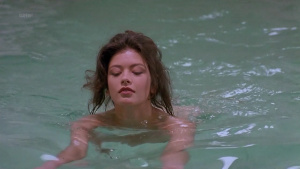 Catherine Zeta-Jones @ Splitting Heirs (US 1993) [720p HDTV]  Frx4fFlX