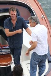 George Clooney - nail biter? Abpg8Iqm