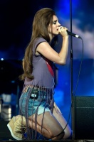Лана Дель Рей, фото 267. Lana Del Rey performing at the Isle of Wight Festival in Newport - 22/06/12, foto 267