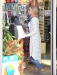 Denise Richards shopping in Beverly Hills December 17-2015 x22