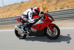 2015 BMW S1000RR official high-res photo
