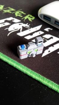 [KFC Toys] Produit Tiers - Jouets Opticlones - aka Reflector/Réflecteur KxvbZQsT