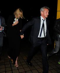 Sean Penn - Charlize Theron and Sean Penn - seen leaving Royal Festival Hall. London - February 16, 2015 (153xHQ) 7yxhJqXX