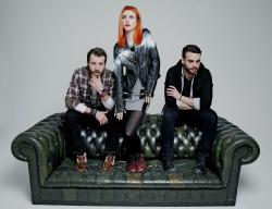 Paramore (Hayley Williams,  Jeremy Davis, Taylor York) - Chris McAndrew Photoshoot for The Guardian (February, 2013) - 35xHQ 6Qxc9PBP