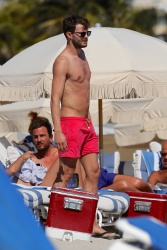 Jamie Dornan - At the beach with his girlfriend, Amelia Warner in Miami - January 17, 2013 - 25xHQ 0euQFzUJ