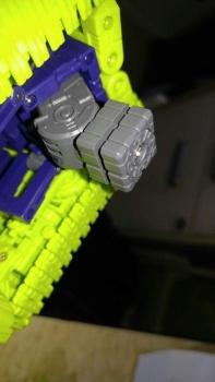 [Toyworld] Produit Tiers - Jouet TW-C Constructor aka Devastator/Dévastateur (Version vert G1 et jaune G2) - Page 7 OPfGh4fD