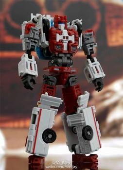 [MakeToys] Produit Tiers - Jouet MTCM-04 Guardia (aka Protectobots - Defensor/Defenso) - Page 3 DsAHhX0G