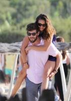 Nina Dobrev with her boyfriend Austin Stowell in Saint-Tropez (July 24) Yd72cu38