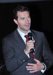 Richard Armitage - The Hobbit An Unexpected Journey - Canadian Premiere - Toronto, December 3, 2012 - 10xHQ 8KADvDMl