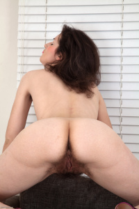 Tags: Hairy, Pussy, Shaggy, Unshaved