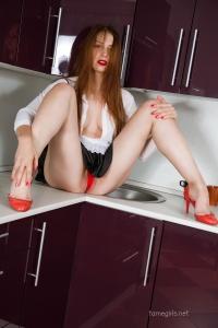 Isabella - In The Kitchen - [famegirls] B1PmB0ui