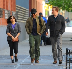 Jake Gyllenhaal & Jonah Hill & America Ferrera - Out And About In NYC 2013.04.30 - 37xHQ TfT3qexJ