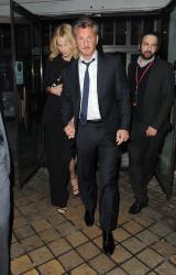 Sean Penn - Charlize Theron and Sean Penn - seen leaving Royal Festival Hall. London - February 16, 2015 (153xHQ) TGvwb6wg
