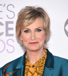 Jane Lynch - 2016 People's Choice Awards @ Microsoft Theater in Los Angeles - 01/06/16
