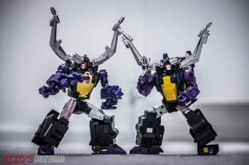 [Fanstoys] Produit Tiers - Jouet FT-12 Grenadier / FT-13 Mercenary / FT-14 Forager - aka Insecticons - Page 3 X9vP0NT1