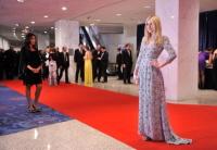 Dakota Fanning / Michael Sheen - Imagenes/Videos de Paparazzi / Estudio/ Eventos etc. - Página 5 Aazb5RTb