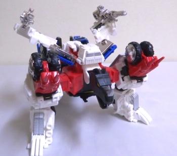 [Mastermind Creations] Produit Tiers - RC-01 Hexatron (aka Sixshot/Hexabot) et RC-01G Grandus Hexatron (aka Greatshot) - Page 3 UzrL6fS2