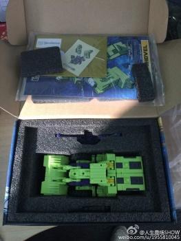 [Toyworld] Produit Tiers - Jouet TW-C Constructor aka Devastator/Dévastateur (Version vert G1 et jaune G2) - Page 4 Meq5SgOA