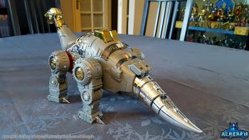 [Fanstoys] Produit Tiers - Dinobots - FT-04 Scoria, FT-05 Soar, FT-06 Sever, FT-07 Stomp, FT-08 Grinder - Page 9 KmFhyscG