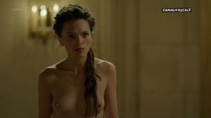 Anna Brewster, Hannah Arterton @ Versailles s02 (FR 2017) [1080p HDTV] SVk1kwpv