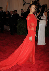 Maggie Q |red dress |2013 Met Gala at the Metropolitan Museum of Art, NYC 5/6/13 |3hq