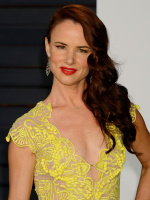 """Juliette Lewis """"2015 Vanity Fair Oscar Party hosted by Graydon Carter at Wallis Annenberg Center for the Performing Arts in Beverly Hills"""" (22.02.2015) 51x EUGJMsNT"""