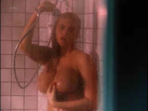 Anna Nicole Smith, Catherine Weber, Coralisa Gine, Kathy Shower @ To The Limit (US 1995)  OSfYU1jF