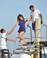 Nina Dobrev with her boyfriend Austin Stowell in Saint-Tropez (July 24) JWCUBLCf