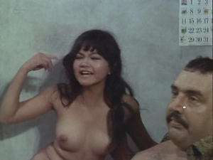 Angelique Pettyjohn, Victoria Racimo, Anna Ling @ The G.I. Executioner (US 1971) XkKd7yqW