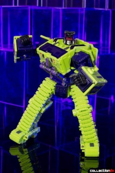 [Toyworld] Produit Tiers - Jouet TW-C Constructor aka Devastator/Dévastateur (Version vert G1 et jaune G2) - Page 4 URUCJvxz