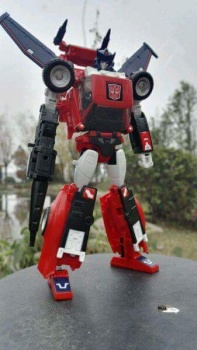 [Masterpiece] MP-25L LoudPedal (Rouge) + MP-26 Road Rage (Noir) ― aka Tracks/Le Sillage Diaclone - Page 2 KfZWngGs